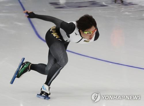 練習を行う小平=6日、江陵(聯合ニュース)