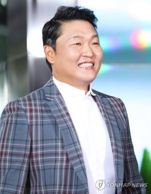 YGエンターテインメントとの専属契約が終了した歌手のPSY(資料写真)=(聯合ニュース)