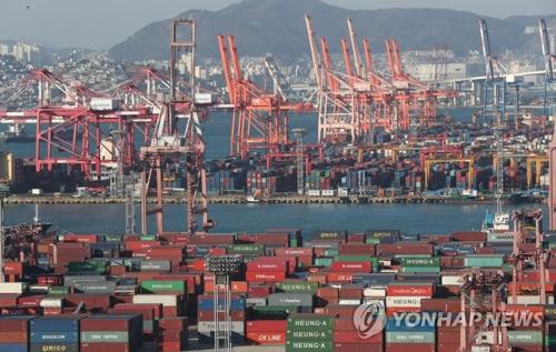 韓国開発研究院は、韓国経済が輸出を中心に緩やかな成長を維持しているとの見方を示した(資料写真)=(聯合ニュース)