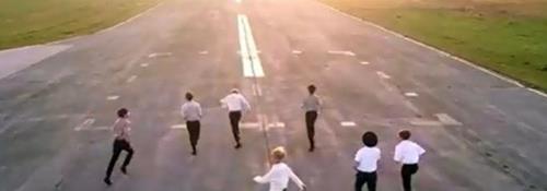 ミュージックビデオのワンシーン(資料写真)=(聯合ニュース)