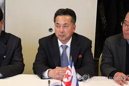 2015年2月に行われたロシアと北朝鮮のビジネス協議会に出席した李龍男氏(資料写真)=(聯合ニュース)