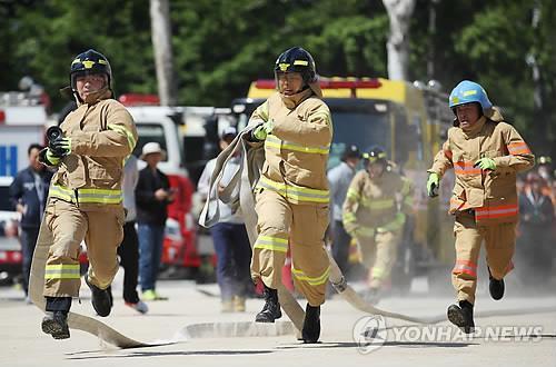 最強消防士競技(資料写真)=(聯合ニュース)