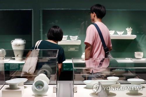 陶磁器の展示会(資料写真)=(聯合ニュース)