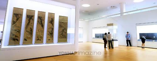 (서울=연합뉴스) 김주형 기자 = DDP 배움터 3층 디자인박물관에서 열리는 '간송문화 : 문화로 나라를 지키다' 전. kjhpress@yna.co.kr