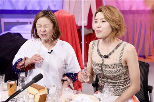 MBC TV '마이리틀텔레비전'에 출연한 박나래와 장도연