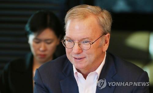"""슈미트 알파벳 회장 """"스타트업 성공의 열쇠는 제품의 질"""""""