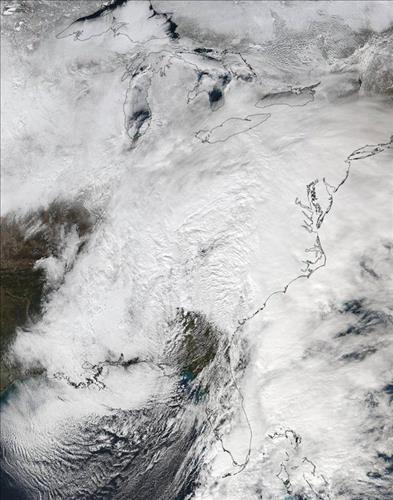 미국 동부를 온통 뒤덮은 눈폭풍 위성사진 << 미국항공우주국(NASA) 제공 >>