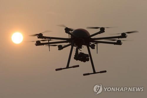 """캐머런 英 총리 """"IS, 드론으로 서구에 '더티 밤' 투하 계획"""""""