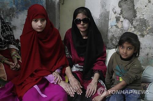 파키스탄서 아내 대상'가벼운 체벌' 허용법 추진