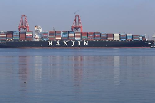 미국 롱비치 항구에 접안한 한진 그리스호