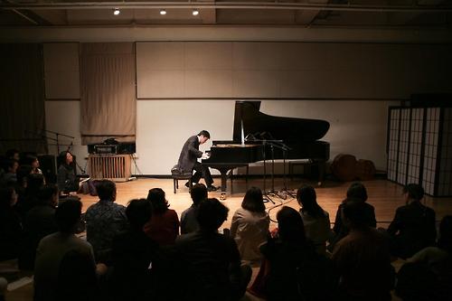 피아니스트 김선욱 '하콘' 500회 공연 모습