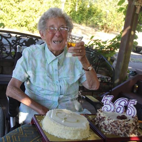 암과 싸우며 美대륙 횡단여행 91세 할머니 길에서 영면