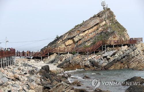 정동심곡 바다부채길[연합뉴스 자료사진]
