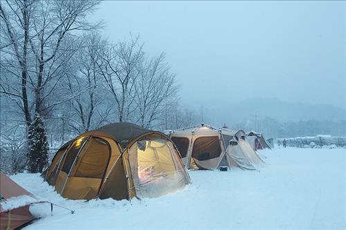 한겨울 '스노 캠핑'