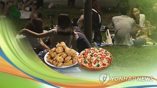 대출금리에 목메는 치킨·피자집들…생존기간 불과 3.1년[연합뉴스 자료사진]
