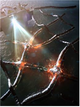 은 나노와이어에 플래시 빛을 쪼인 모습 [KAIST 제공]
