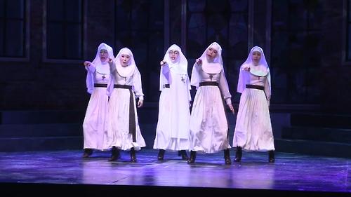 [리뷰] '수녀들의 화끈한 입담'…뮤지컬 '넌센스2' [통통영상]