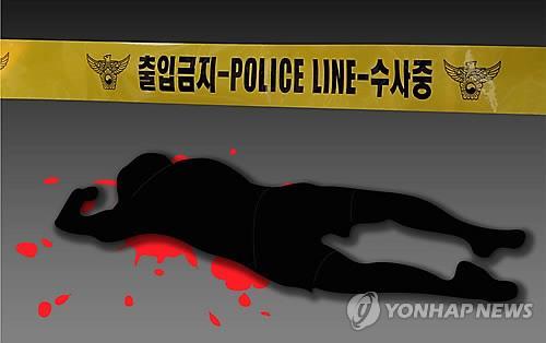 """""""노래방서 성추행"""" 딸 얘기 듣고 상담교사 살해한 母 구속기소"""