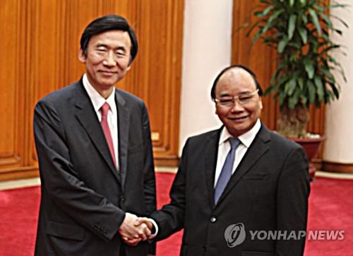 윤병세 외교부 장관, 베트남 총리 예방