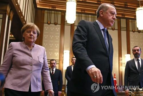 지난달 터키 방문 때 메르켈 & 에르도안 [EPA=연합뉴스]