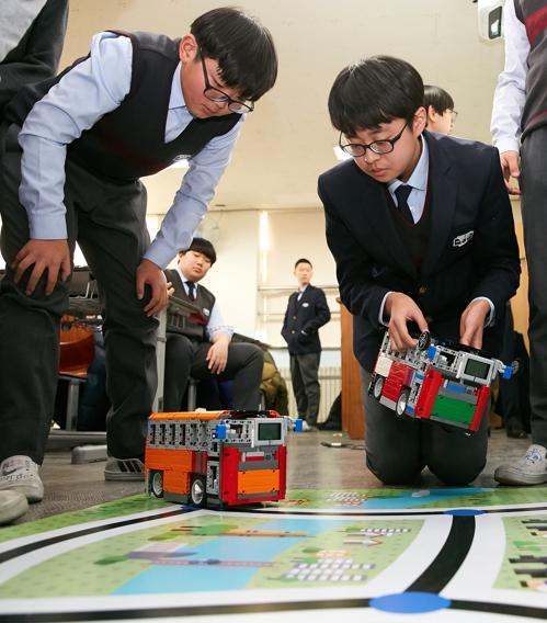 LG CNS, 중학생 2천500명에 무료 코딩 교육