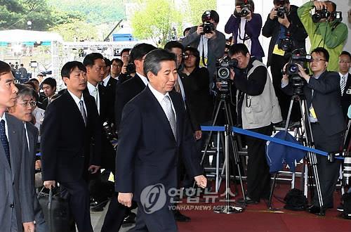 <盧소환> 검찰 출두하는 노무현 전 대통령