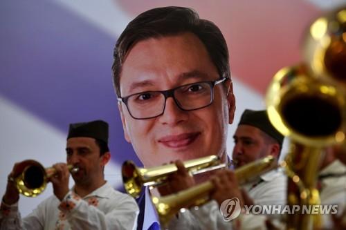 세르비아 새 대통령으로 당선된 부치치 총리 [AFP=연합뉴스]