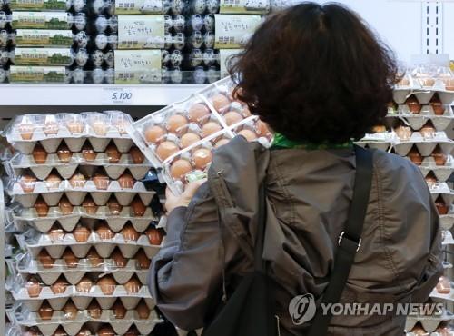 다시 치솟은 계란값 [연합뉴스 자료사진]