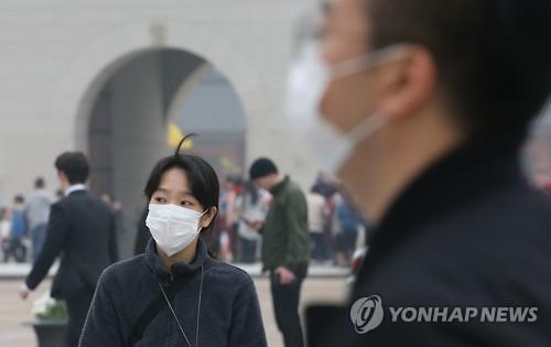 또 찾아온 황사[연합뉴스 자료사진]