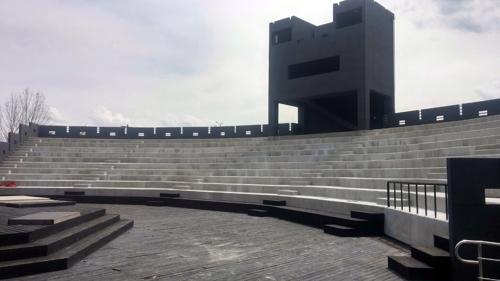 2년 만에 재개관하는 밀양연극촌 성벽극장