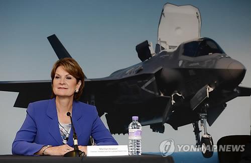 미 F-35 스텔스기, 파리 에어쇼 초청 제외 '수모'