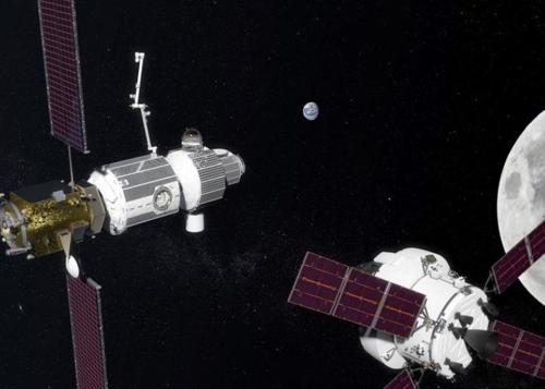 """NASA """"우주비행사에게 입혀줄 우주복이 모자라"""""""