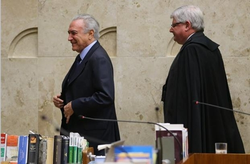테메르 대통령(왼쪽)과 호드리구 자노 연방검찰총장[국영 뉴스통신 아젠시아 브라질