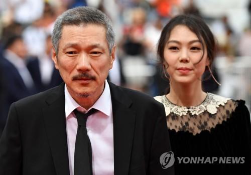 '그후'로 레드카펫 밟은 홍상수 감독, 김민희
