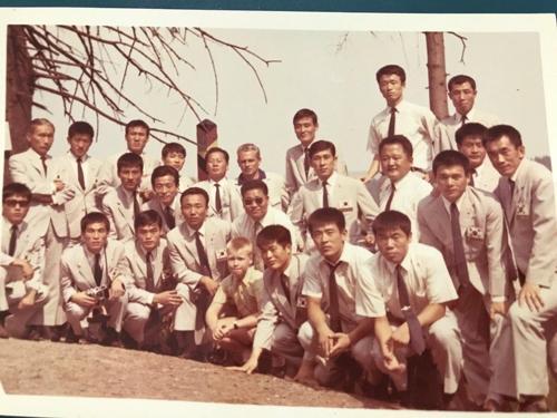 한국 축구 사상 최장인 105일 해외 전지훈련을 했던 양지축구단의 전훈 당시 사진