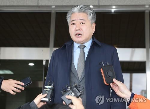 인터뷰 하는 민주당 오영훈 의원