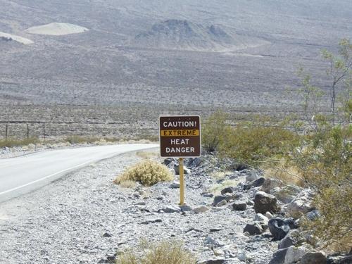 미국 데스밸리의 경고판