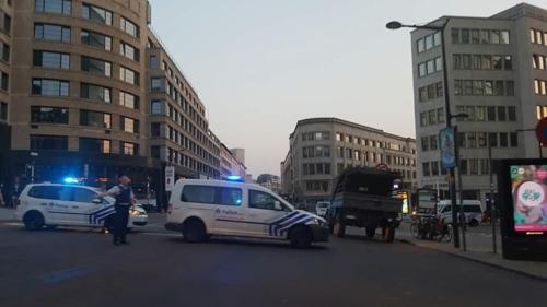 폭발사건 후 브뤼셀 중앙역 인근을 통제하는 벨기에 경찰