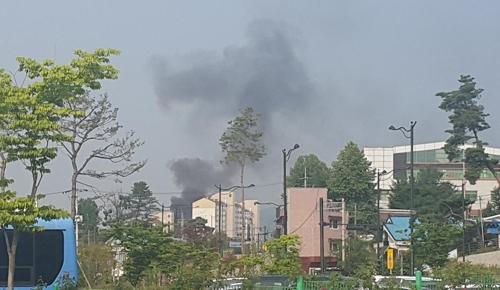 의정부 아파트서 불 [독자제공=연합뉴스]