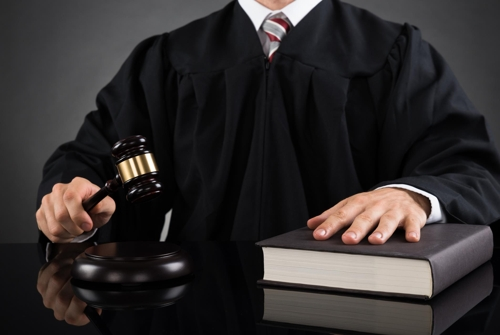 판사 수면시간 부족하면 '더 무거운 판결'