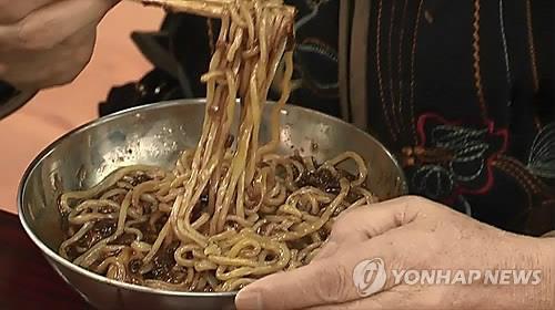 """""""새우 빼주세요"""" 요청 무시한 중국집…배상 책임은"""