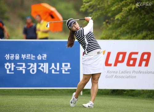 '디펜딩 챔피언' 오지현, 한경 레이디스 3라운드 단독 1위