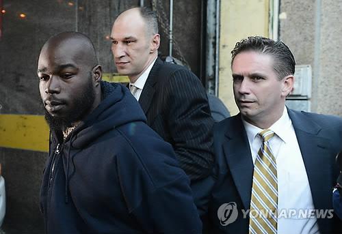 뉴욕 지하철 한인 살해범 나임 데이비스(맨왼쪽) [EPA=연합뉴스]