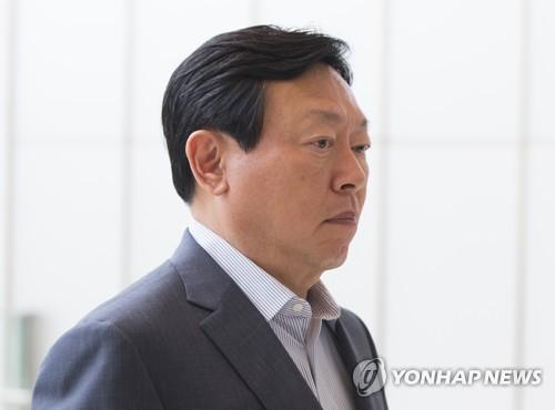사장단 회의 참석하는 신동빈 회장 [연합뉴스 자료사진]