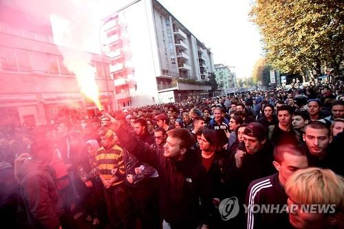 2015년 교육개혁에 항의하며 시위를 벌이는 이탈리아 청년들 [EPA=연합뉴스]