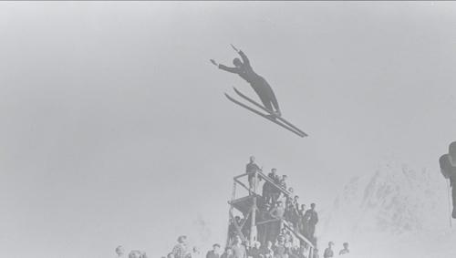 첫 동계올림픽인 1924년 샤모니대회 스키점프 경기 모습