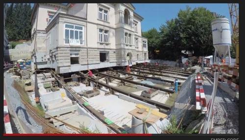 스위스에서 2천700t 석조 건물 통째로 20m 옮겨