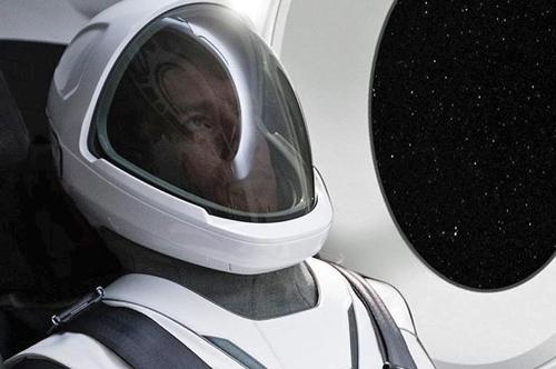 스페이스 X 첫 우주비행복 착용한 일론 머스크