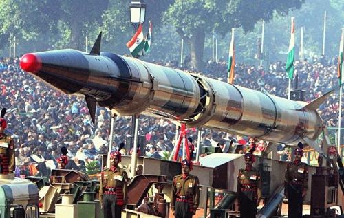 인도의 '아그니-3' 중거리탄도미사일[위키미디어 제공]