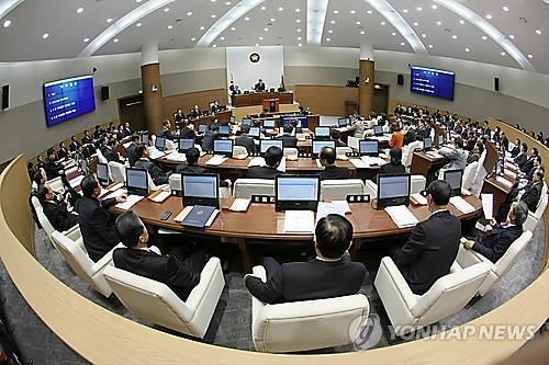 창원시의회 본회의 [연합뉴스 자료 사진]